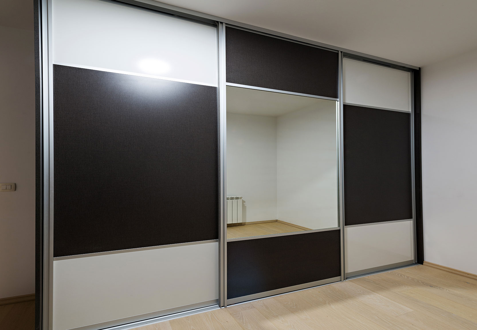 Laminate Wardrobe Design Accentuates The Room And Feel